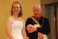 Brudparet med son