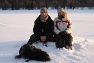 David, Katharina och Zingo trivs i snön