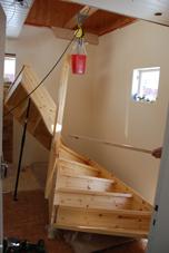 Den nya trappan på väg in!