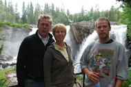 Anders, Anne-Lisbeth och Martin vid Ristafallet